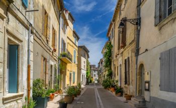 Cheap Car Rental Arles, France